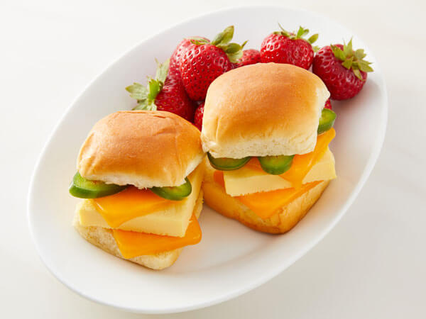 Land O'Lakes Foodservice |K-12 Spicy Egg and Cheese Sliders