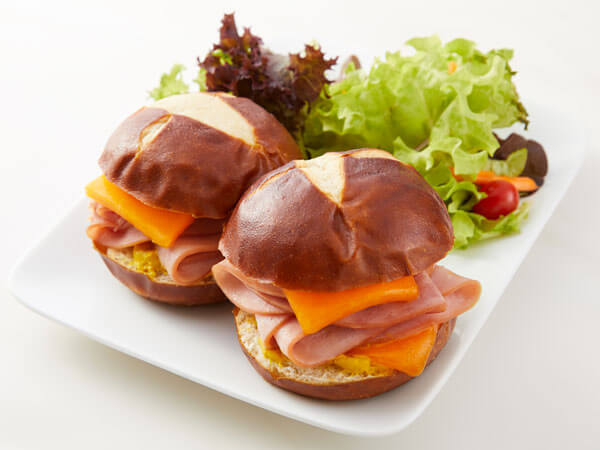 Land O'Lakes Foodservice |K-12 Ham and Cheese Sliders