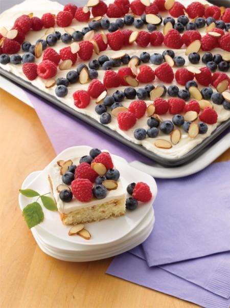 14295almond-celebration-cake