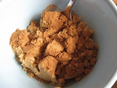 Mix the cinnamon filling