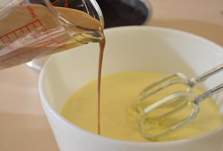 Irish cream, cheesecake, measuring cup