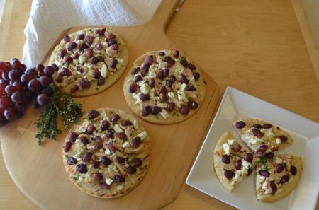pizza, flatbread, grapes