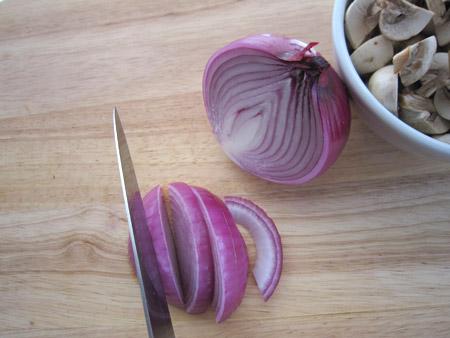 red, onion, slice