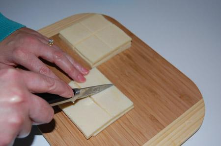 cheese, cut, quarters