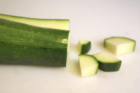 zucchini, cut, pieces