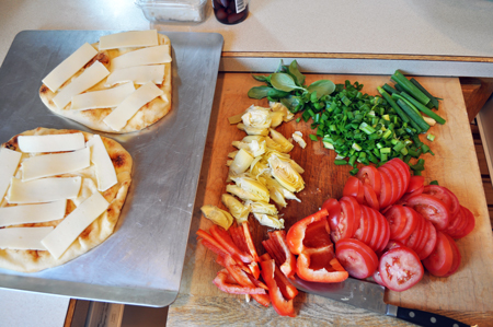chopped, vegetables, pizza