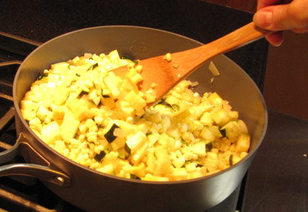 zucchini, squash, pan