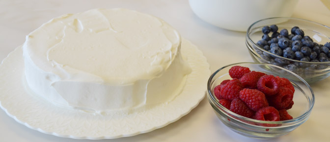 Frosted Round Cake with Berries