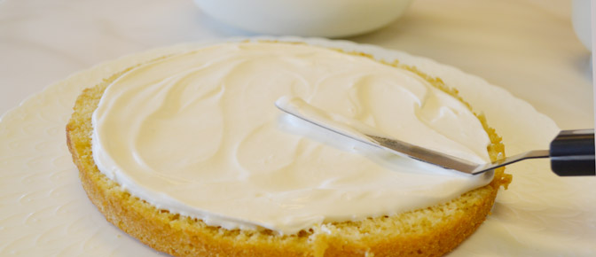 Frosting Round Cake