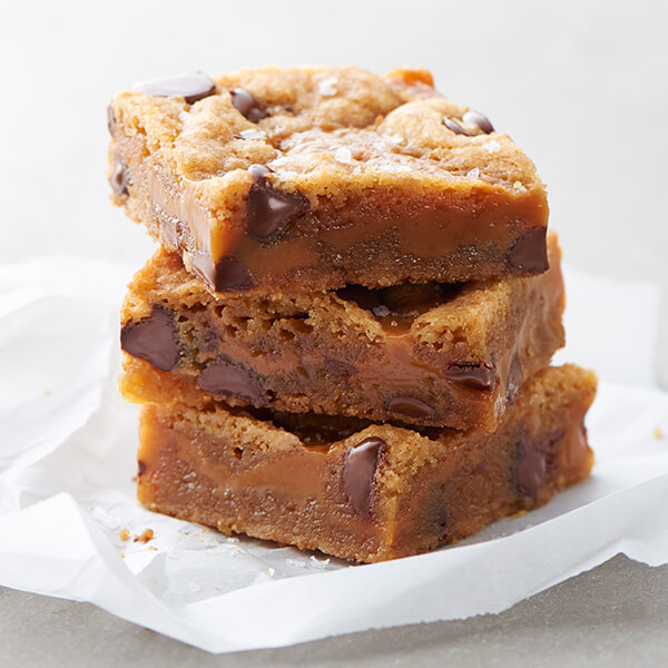 Salted Caramel Browned Butter Chocolate Chip Bars Image