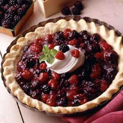 Fresh Berry Cream Pie Image