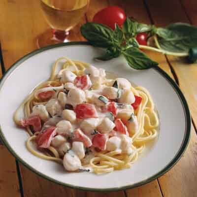 Linguine With Scallops Image