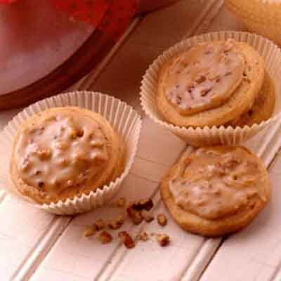 Praline-Topped Brown Sugar Slices Image
