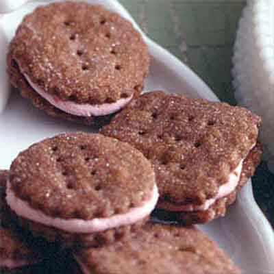 Chocolate Wafers With Raspberry Cream Image