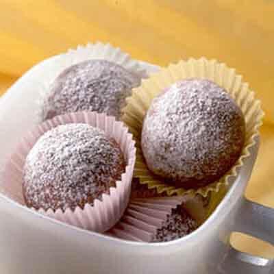 Cocoa Macadamia Nut Sandies Image