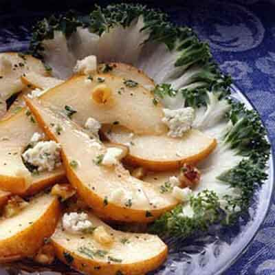 Sliced Pears With Walnuts & Cheese Image