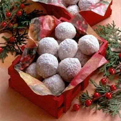 Doris' Pecan Powdered Sugar Drops Image