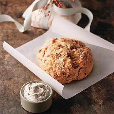 Basil Tomato Bread Image