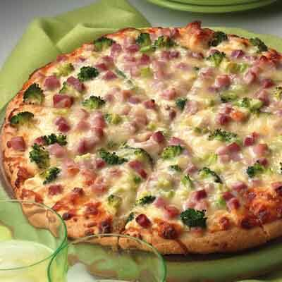 Ham & Broccoli Alfredo Pizza Image