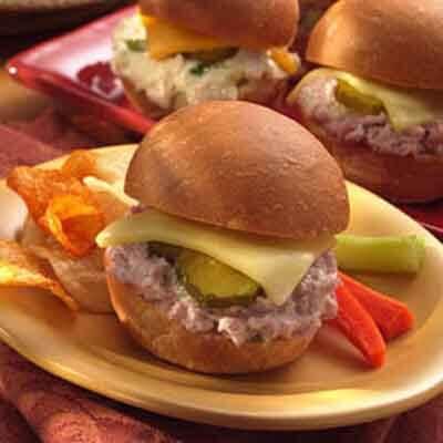 Crowd-Pleasing Warm-Up Sandwiches Image