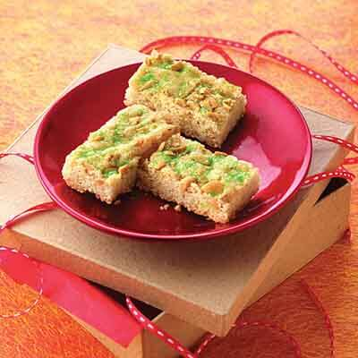 Peanutty Snickerdoodle Bars Image