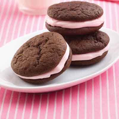 Whoopie Pies With Peppermint Filling Image