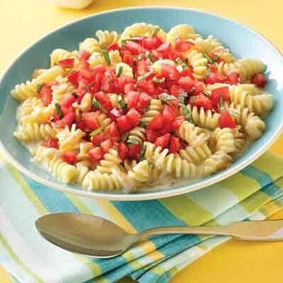 Cheesy Pasta & Tomatoes Image
