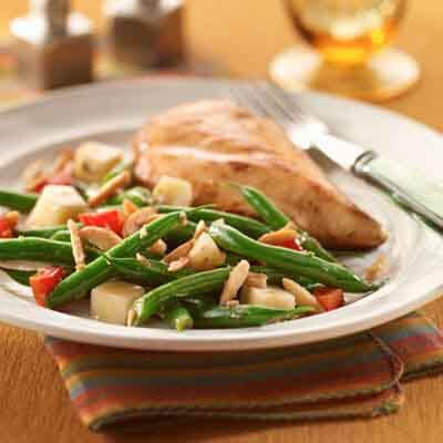 Balsamic Green Beans with Caramelized Almonds Image