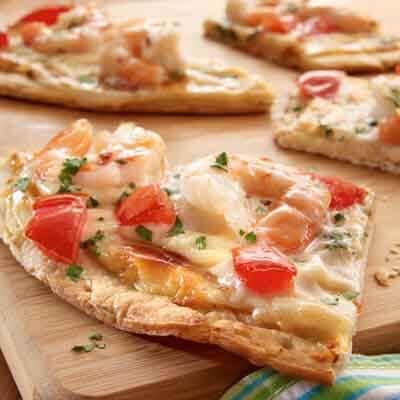 Shrimp Alfredo Pizza Image