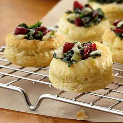 Cranberry Spinach Blue Cheese Puffs Image