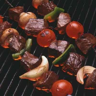 Beef Kabobs With Horseradish Sauce Image