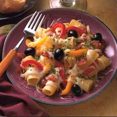 Rigatoni With Cheese, Bacon & Peppers Image