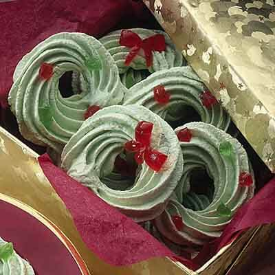 Christmas Meringues Image