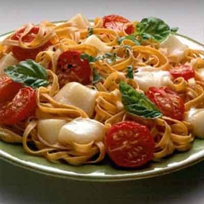 Tomato Basil Fettuccine Image