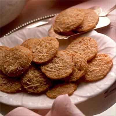 Crisp Cheddar Wafers Image