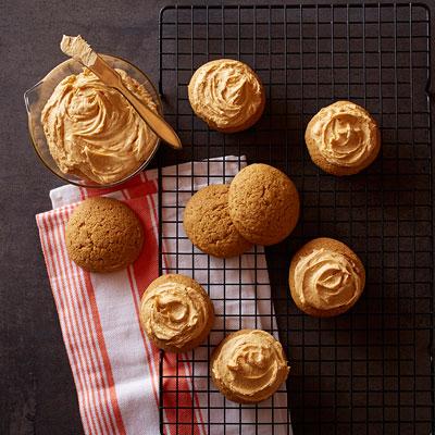 Pumpkin Cookies with Pumpkin Pie Spice Frosting