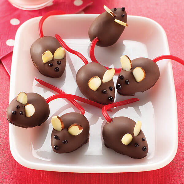 Peanut Butter Christmas Mice Image