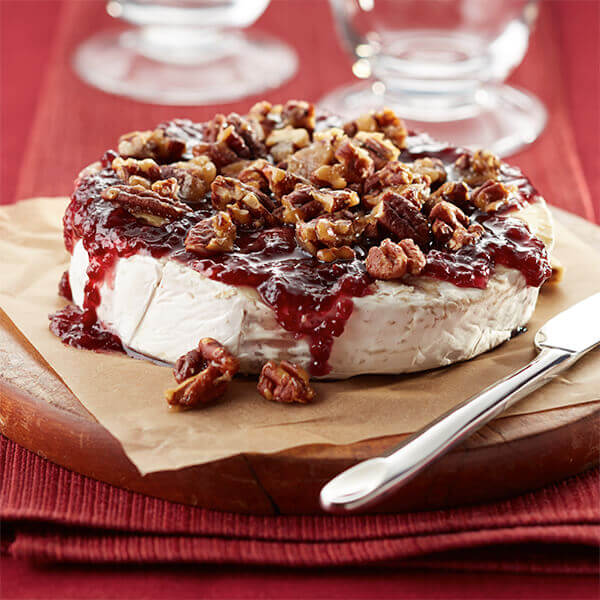 Raspberry Brie With Caramelized Pecans Image