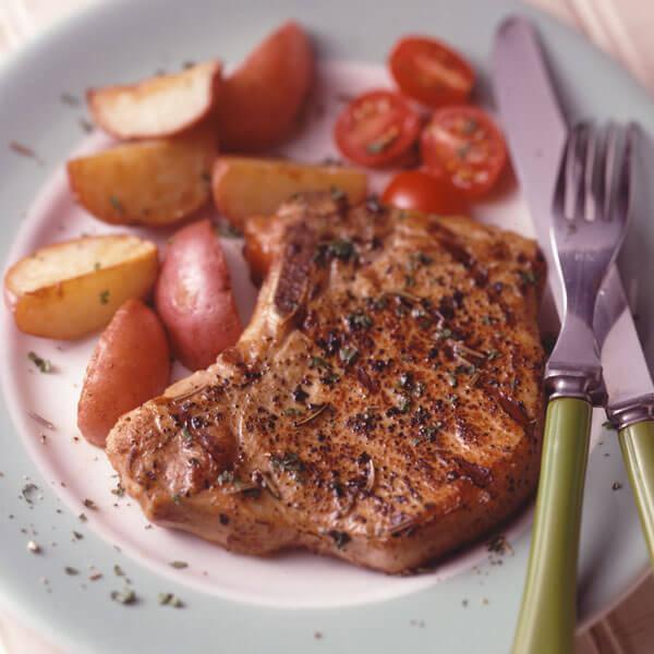 Pepper-Rubbed Pork Chops recipe