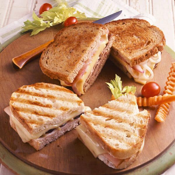Speedy Spicy Turkey Sandwich Image