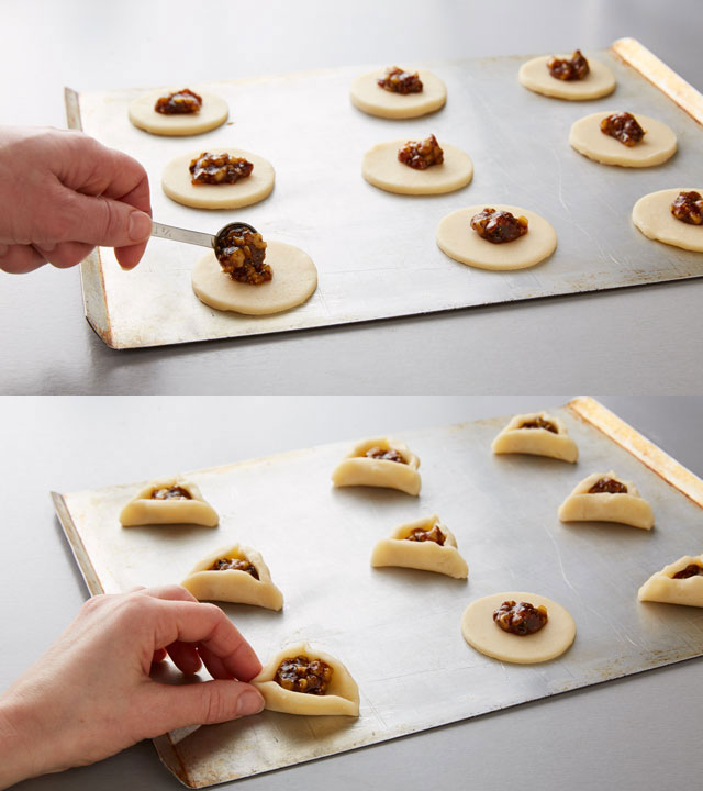 Filling Cookies