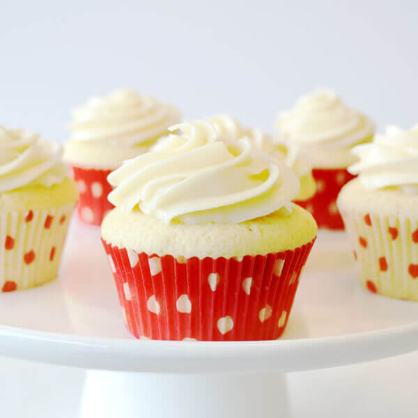 Vanilla Cupcakes With Buttercream Frosting Recipe Land O Lakes